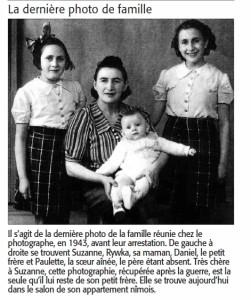 Suzanne est debout à gauche.
